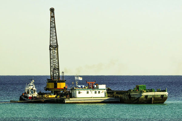 Hydraulic dredging in open waters